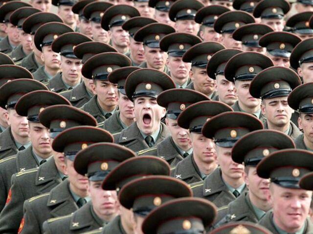 Parade yawn