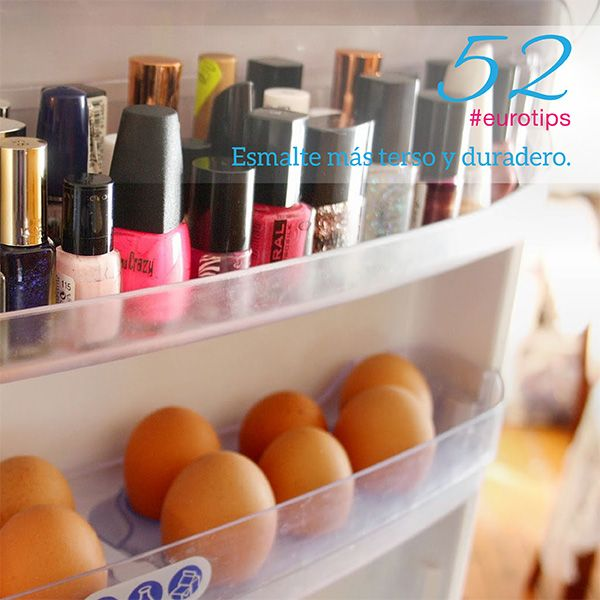 Pon tu esmalte de uñas en el refrigerador 15 minutos antes de que te lo apliques de esta manera estará más terso cuando lo uses. También lo conservaras de una mejor manera.