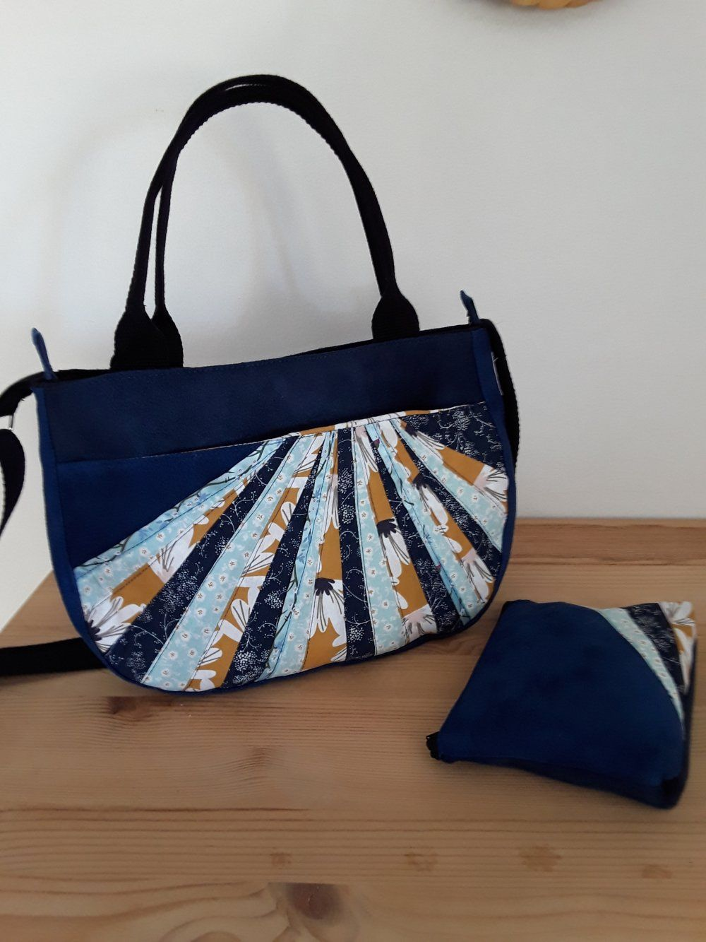 8deef4b589 Sac à main, sac bandoulière, sac porté épaule, suédine bleu nuit , pochette
