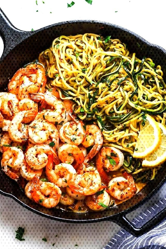 10 minutes lemon-garlic-butter-shrimp with zucchini noodles - This fantastic meal… - Club Pic...