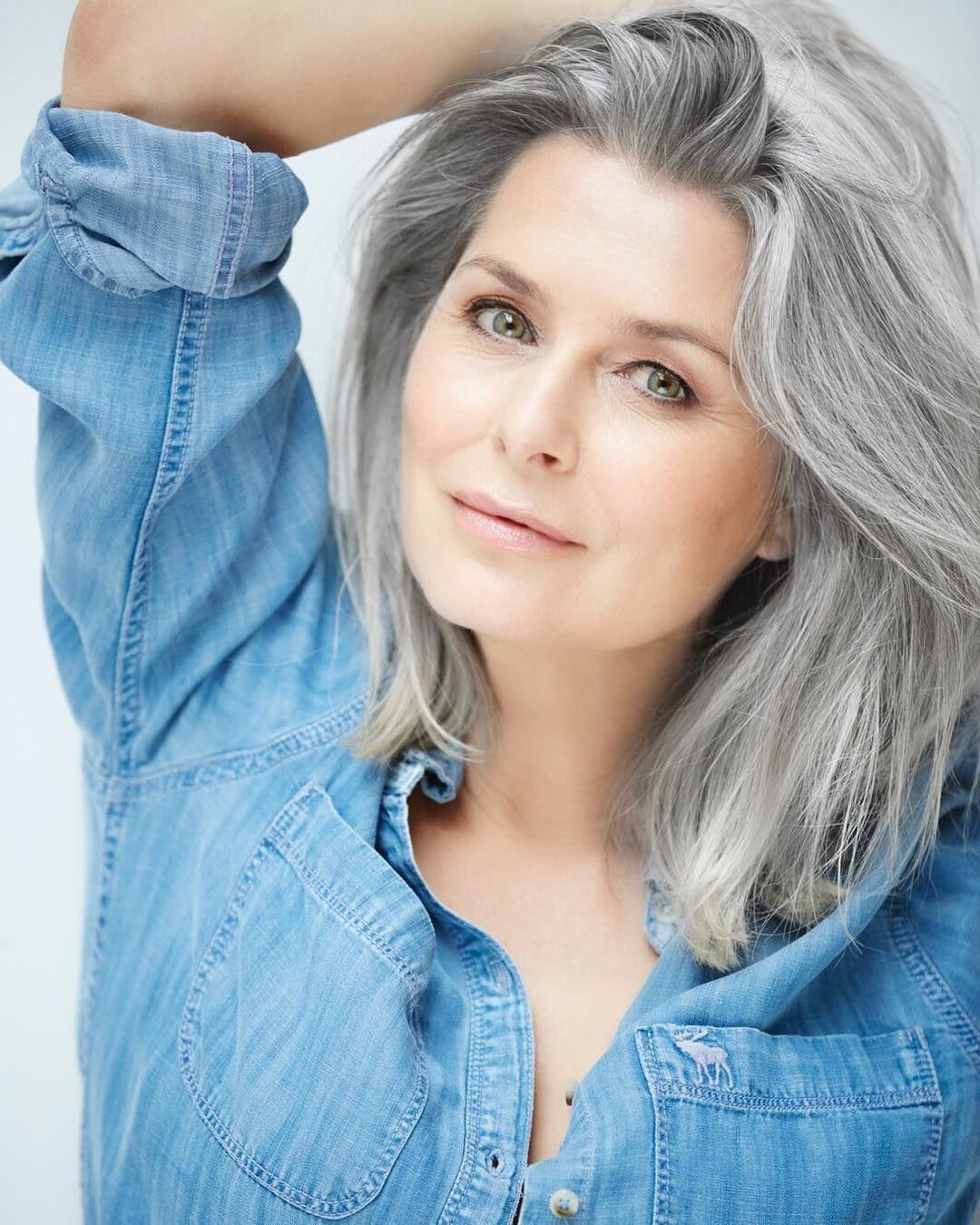 Capelli, 7 fantastiche idee per portare i capelli grigi a ...