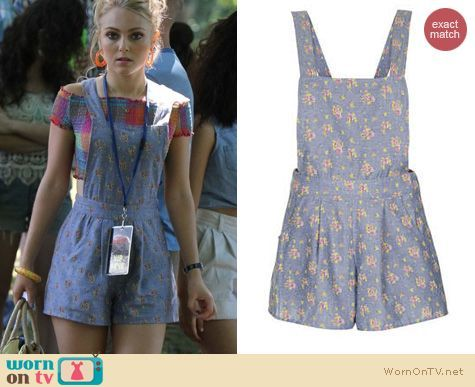 Carrie's blue floral overalls and plaid smocked crop top on The Carrie Diaries.  Outfit Details: http://wornontv.net/18090/ #TheCarrieDiaries