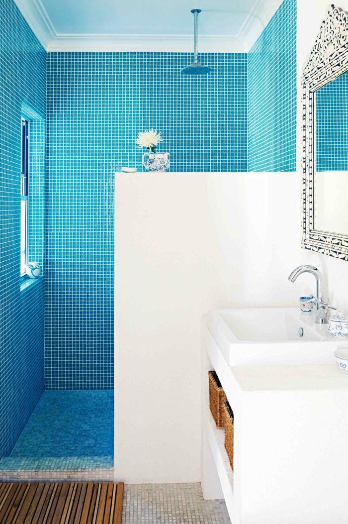 Entzuckend Wandgestaltung Bad Blaue Badfliesen Weiße Wände Wandspiegel
