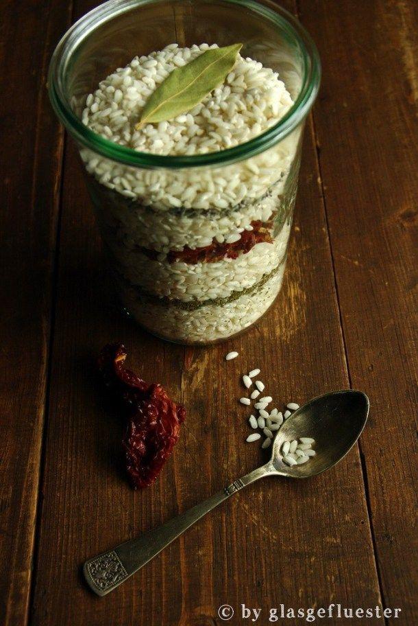 Ins Glas Geflustert Heute Bleibt Die Kuche Kalt Wir Verschenken Einen Risotto Mix Im Glas Geschenke Aus Der Kuche Tassenrezepte Risotto