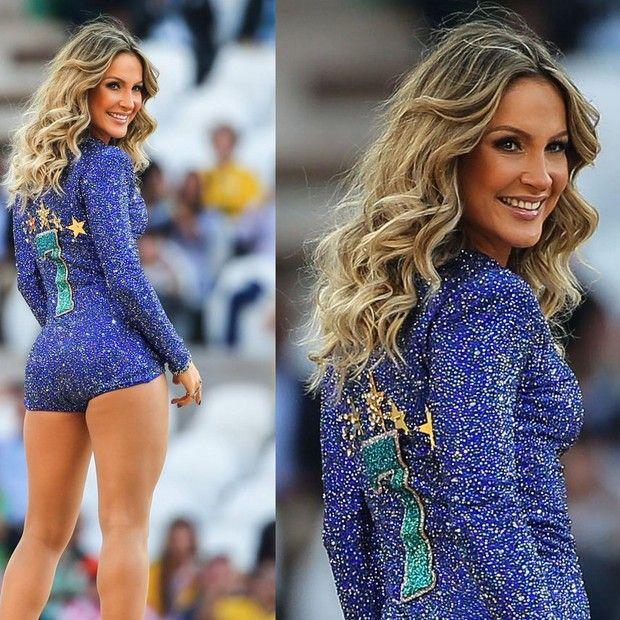 a82311e64 Claudia Leitte - cantora usa look de R$ 2,7 milhões (Foto: AG.News ...