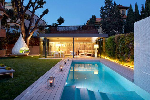 16 ideas para dise ar un magn fico jard n con piscina for Piletas de natacion para espacios reducidos
