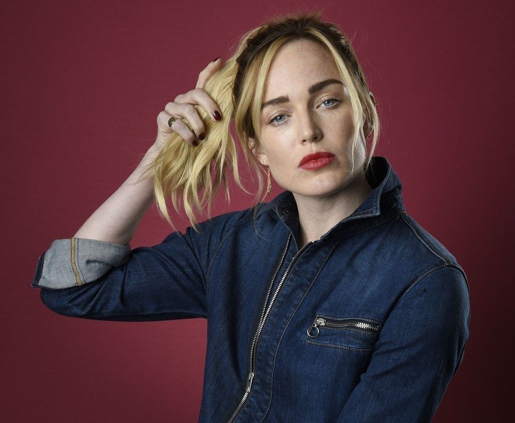 Caity Lotz Jeans Play With Hair Wallpaper Playing With Hair