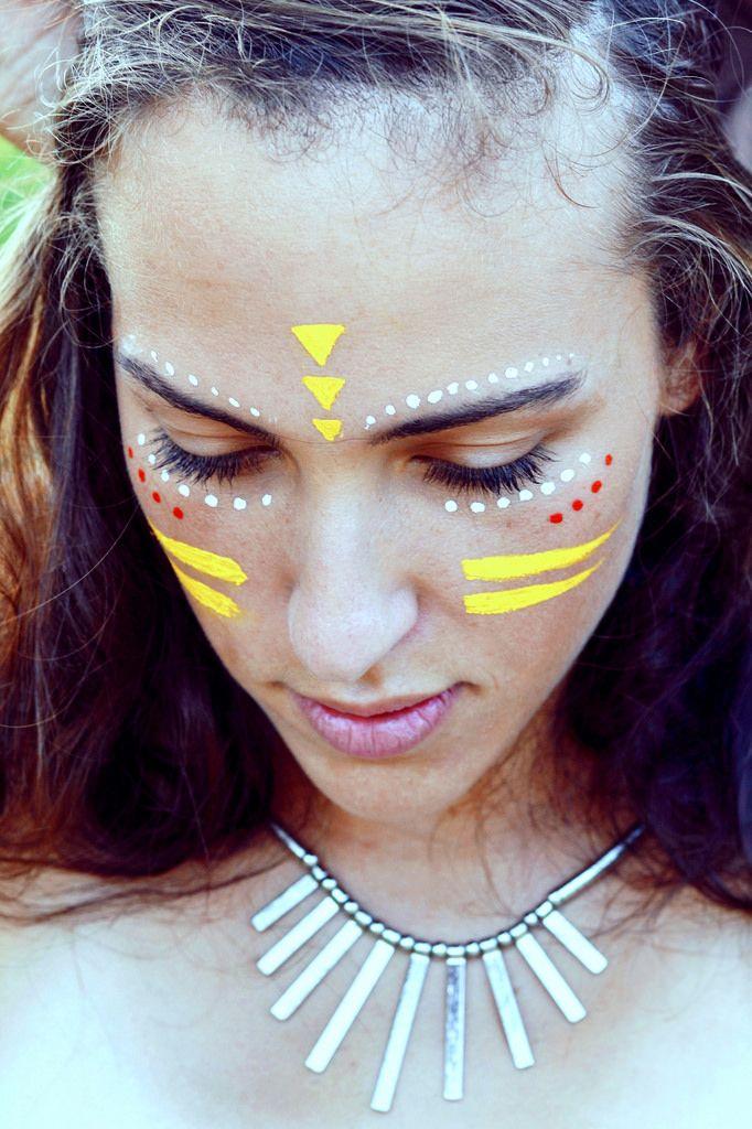 faceprint festical dots and lines Festival face paint