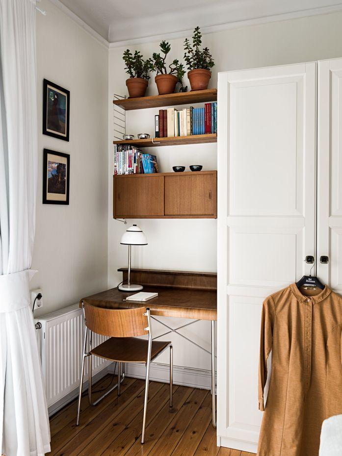 Love this little office nook design addict mom interiors officedesign also rh pinterest