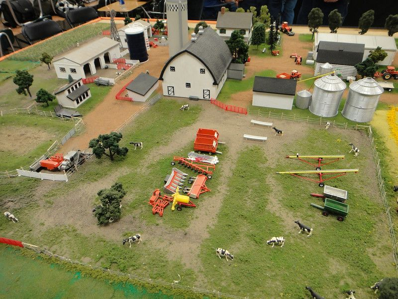 1 64th scale farm displays 1 64 scale model 1