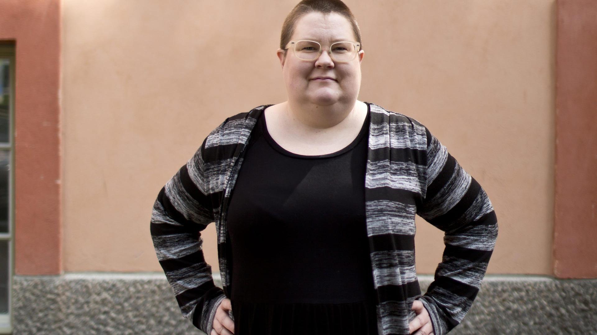 Kansainvälisen politiikan tutkija Saara Särmä tunnetaan eri puolilla maailmaa Congrats, You Have an All Male Panel -blogistaan. Nyt Särmä on kirjoittanut viisi ohjetta, joiden avulla jokainen voi edistää tasa-arvoisempaa maailmaa.
