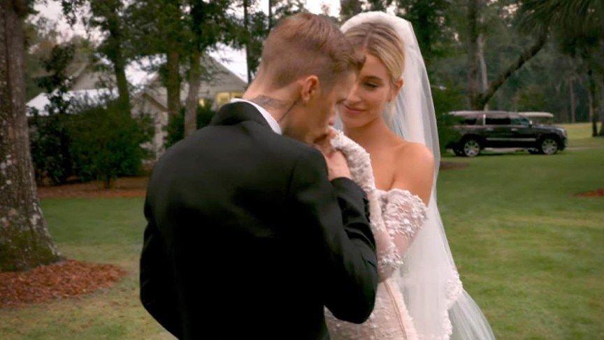 Der Moment In Dem Justin Bieber Hailey Zum Altar Schreiten Sah Das Emotionale Hochzeits Video Hochzeitsvideos Hochzeitsfotografie Justin Hailey
