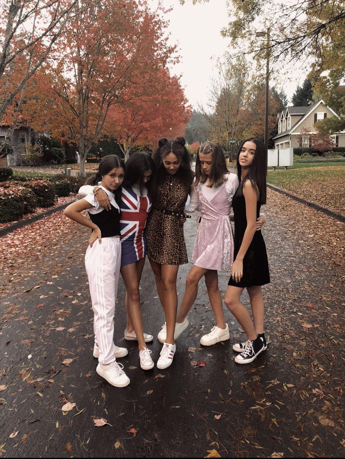 spice girls???? #grouphalloweencostumes