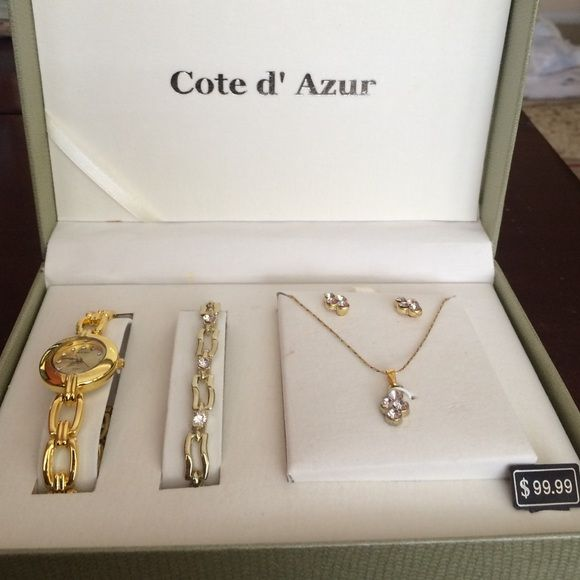 NWT Cte d Azur Jewelry Set Conditioning Bracelets and Customer