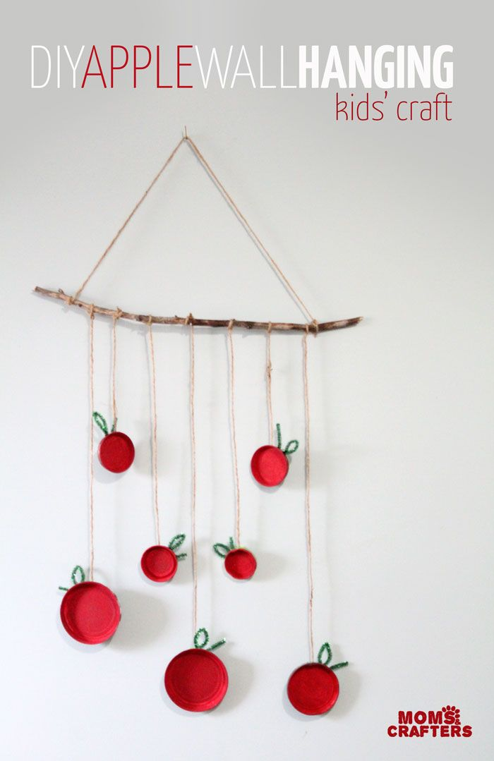 Make This Fun Apple Wall Hanging Moms And Crafters On The Blog