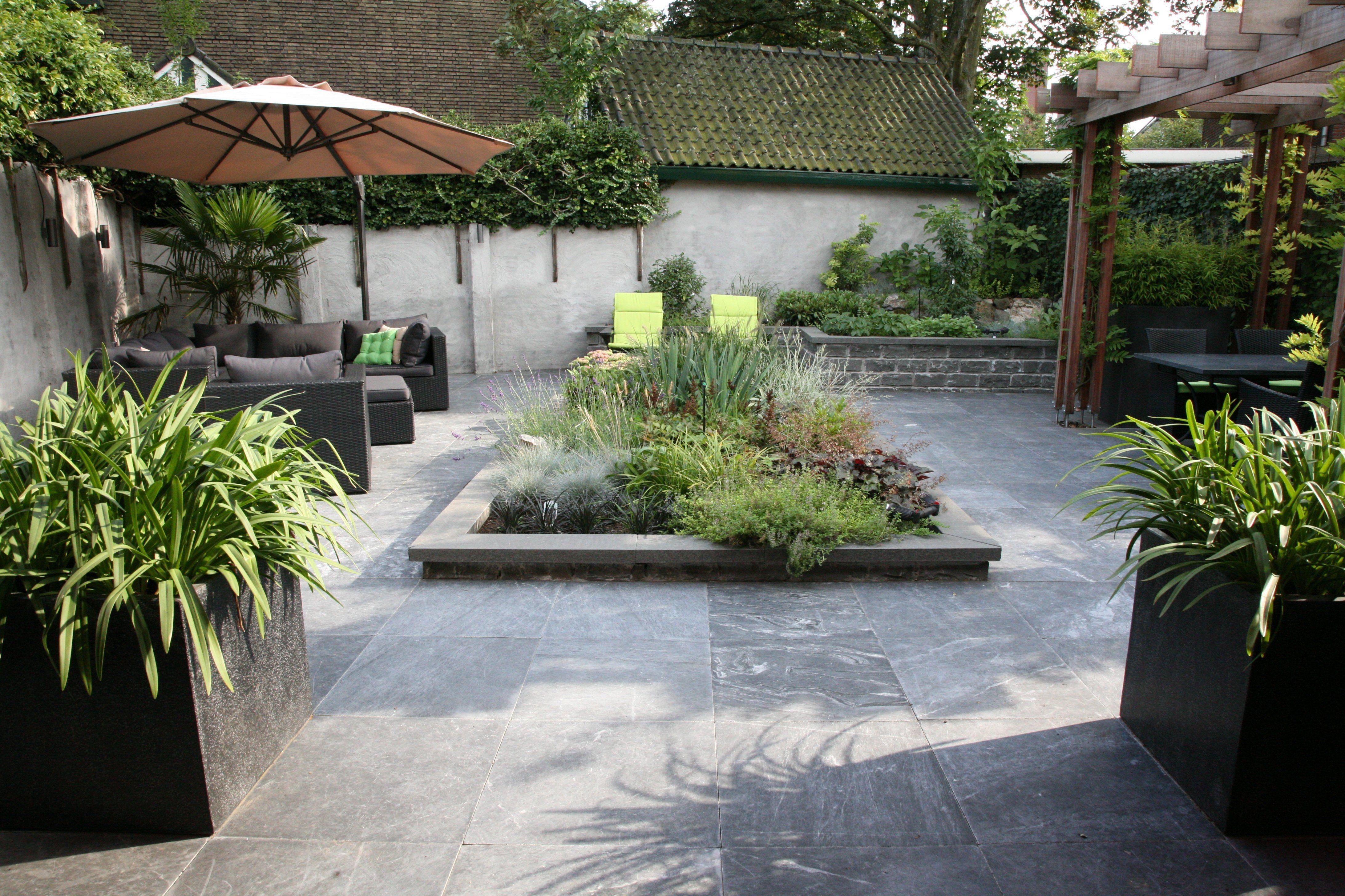 Grijze Tegels Tuin : Afbeeldingsresultaat voor tuin met grijze tegels tuin pinterest
