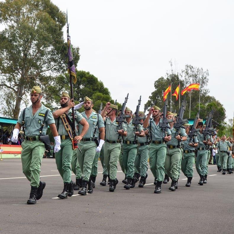 8 269 Mentions J Aime 59 Commentaires La Legión Española Lalegion Es Sur Instagram El Modo De Marchar Es De Peculiar Marcia Soldier Perfect Man Legion