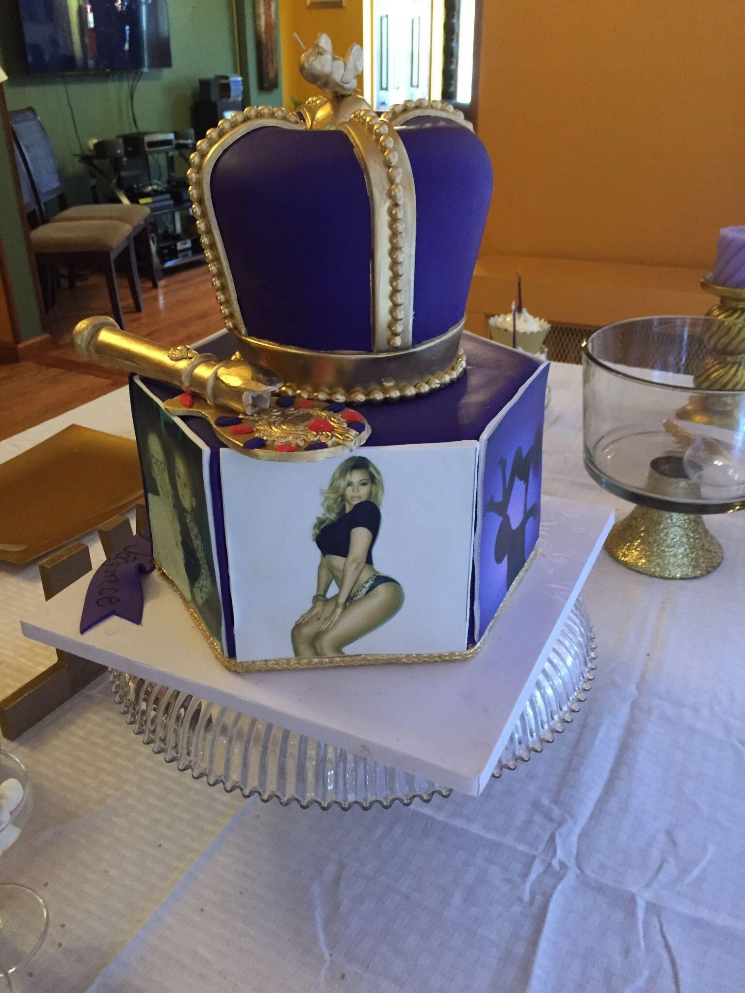 Amazing Beyonce Themed Cake With Images Beyonce Birthday Royalty Baby Personalised Birthday Cards Veneteletsinfo