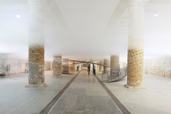"""Cloudscapes"" at the Architecture Biennale, Venice (IT) 2010$#$Photo: Tetsuo Kondo"
