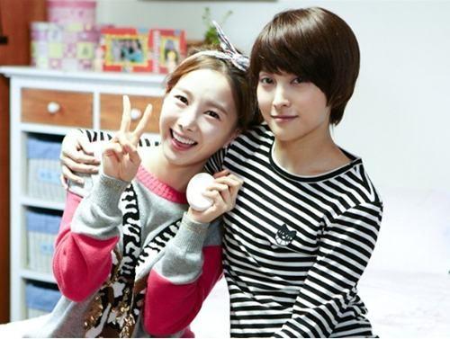 Nail Salon Paris Park Gyu Ri As Bunny Han So Young Kim Ji Soo