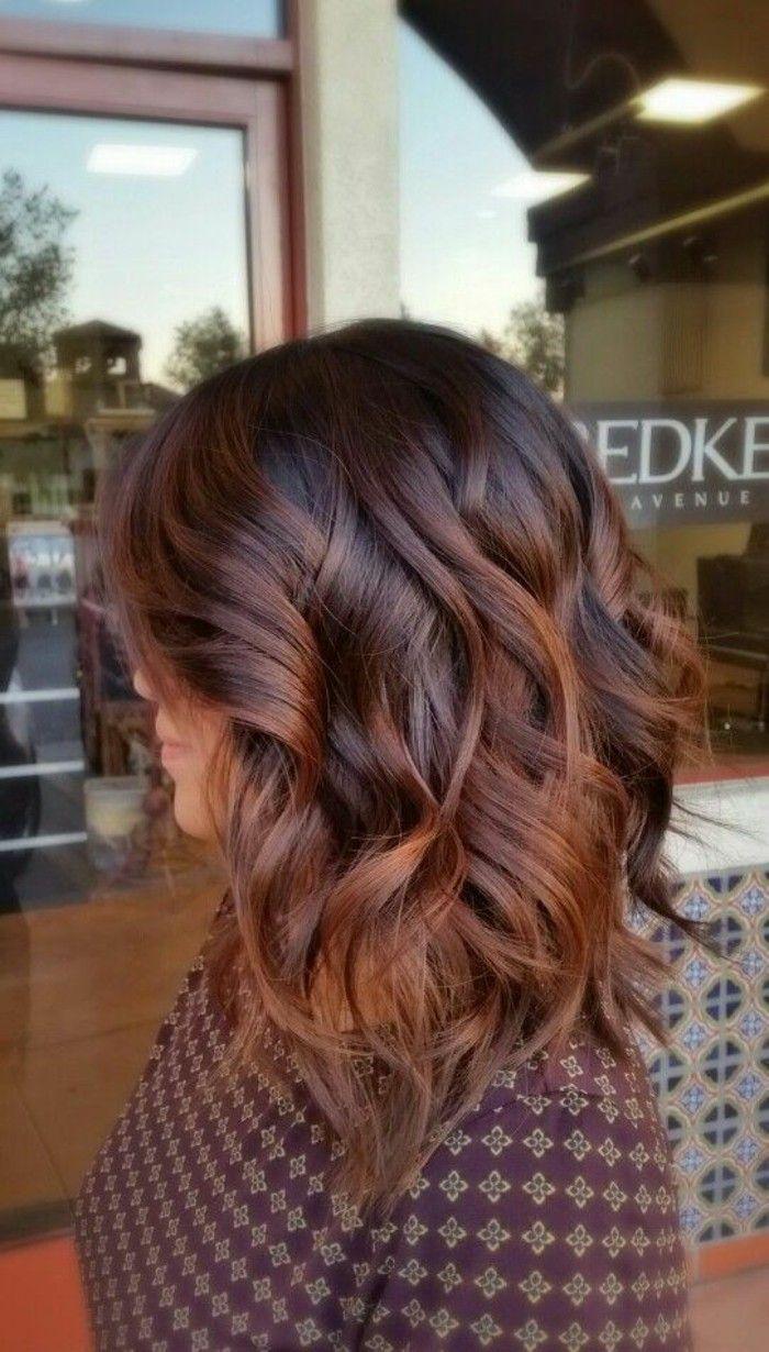 Id e tendance coupe coiffure femme 2017 2018 femme jolie balayage caramel sur brune - Tendance coiffure 2017 2018 ...
