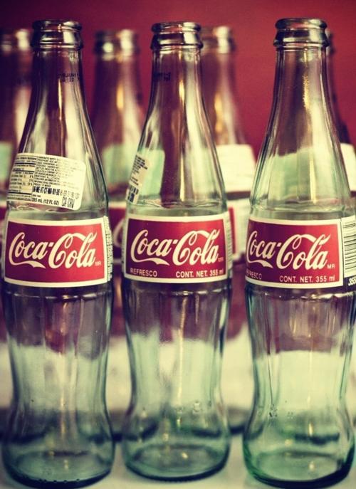 Hay placeres que son demasiado efímeros uno de ellos la coca-cola....