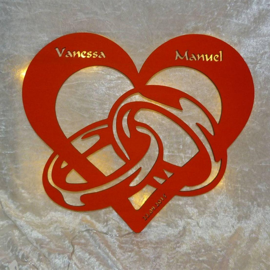 Holzleuchte Herz Mit Ringen Und Namen Geschenk Fur Partner Valentinstag Geschenk Mann Valentinstag Uberraschung