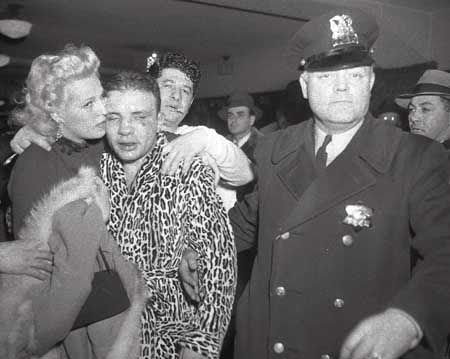 Vicki Lamotta Cradles Her Husband Boxer Jake Lamotta After He Was Knocked Out The Sweet