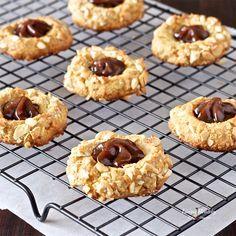 Dulce de Leche Cashew Cookies (gluten-free, grain-free, refined sugar free). Recipe by #livinghealthywithchocolate #paleo #cookies #glutenfree #grainfree #vegan #healthy