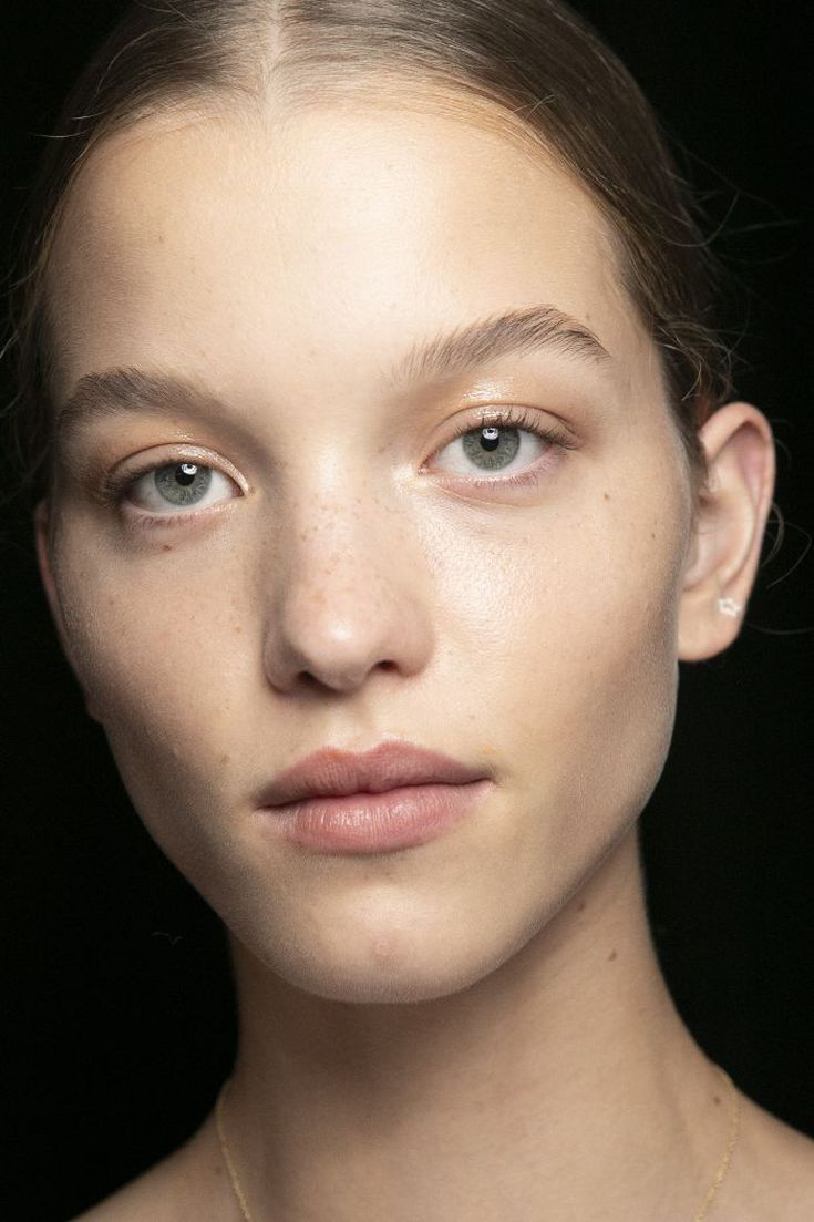How to Get Perfectly Arched Eyebrows, No Matter Your Natural Brow Shape #naturalbrows