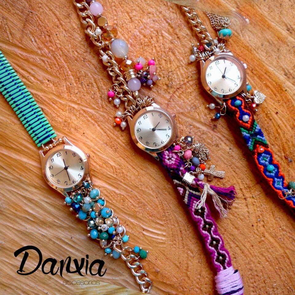 Piedras, cadenas y colores #reloj #colores