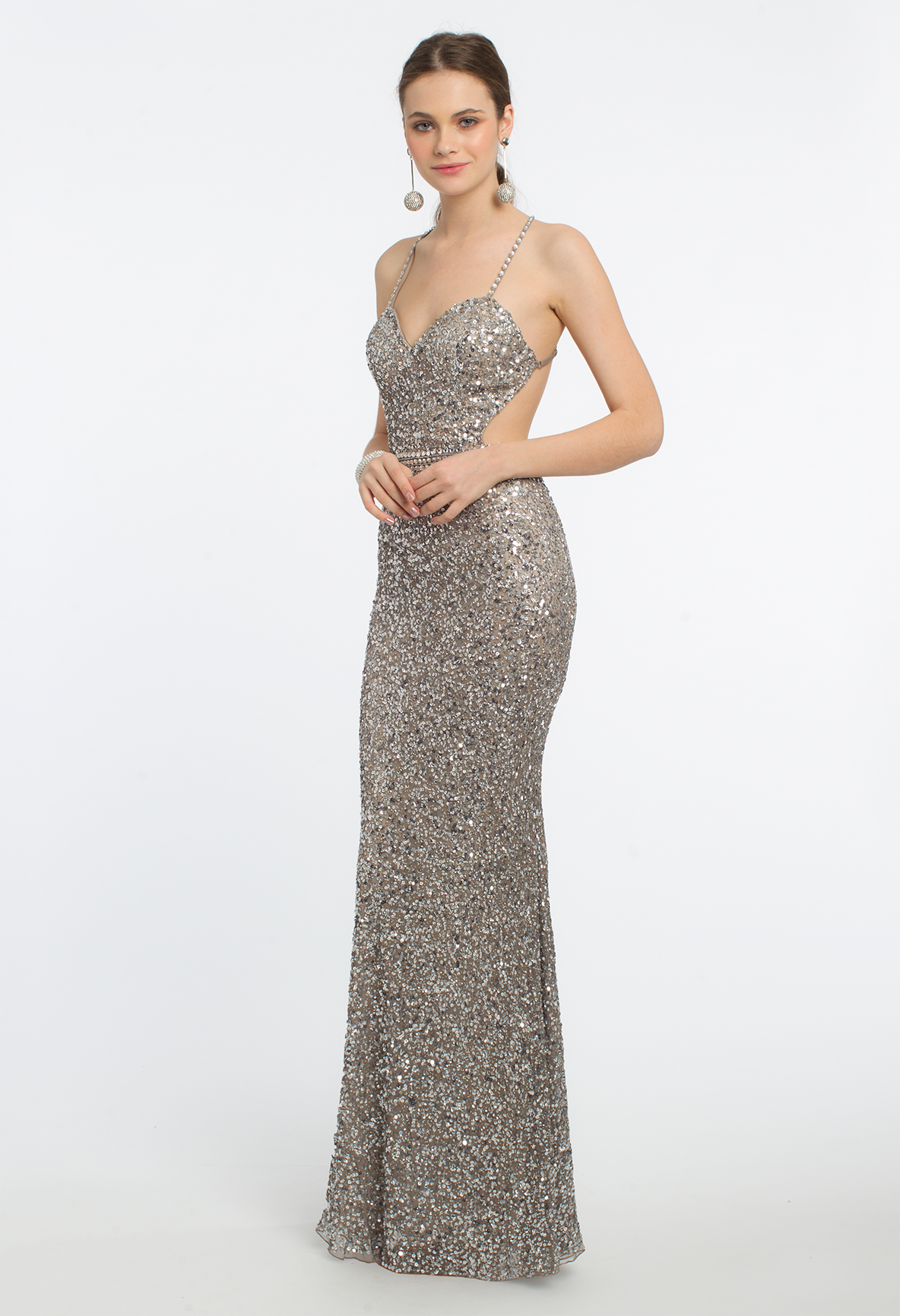 Let it shined shine and shine in this formal evening gown with