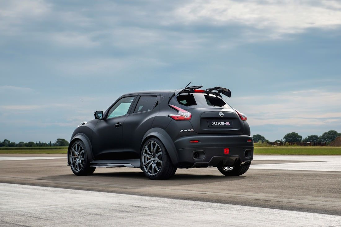 nissan juke r 2 0 le retour du crossover supercar via nissan aix en provence. Black Bedroom Furniture Sets. Home Design Ideas