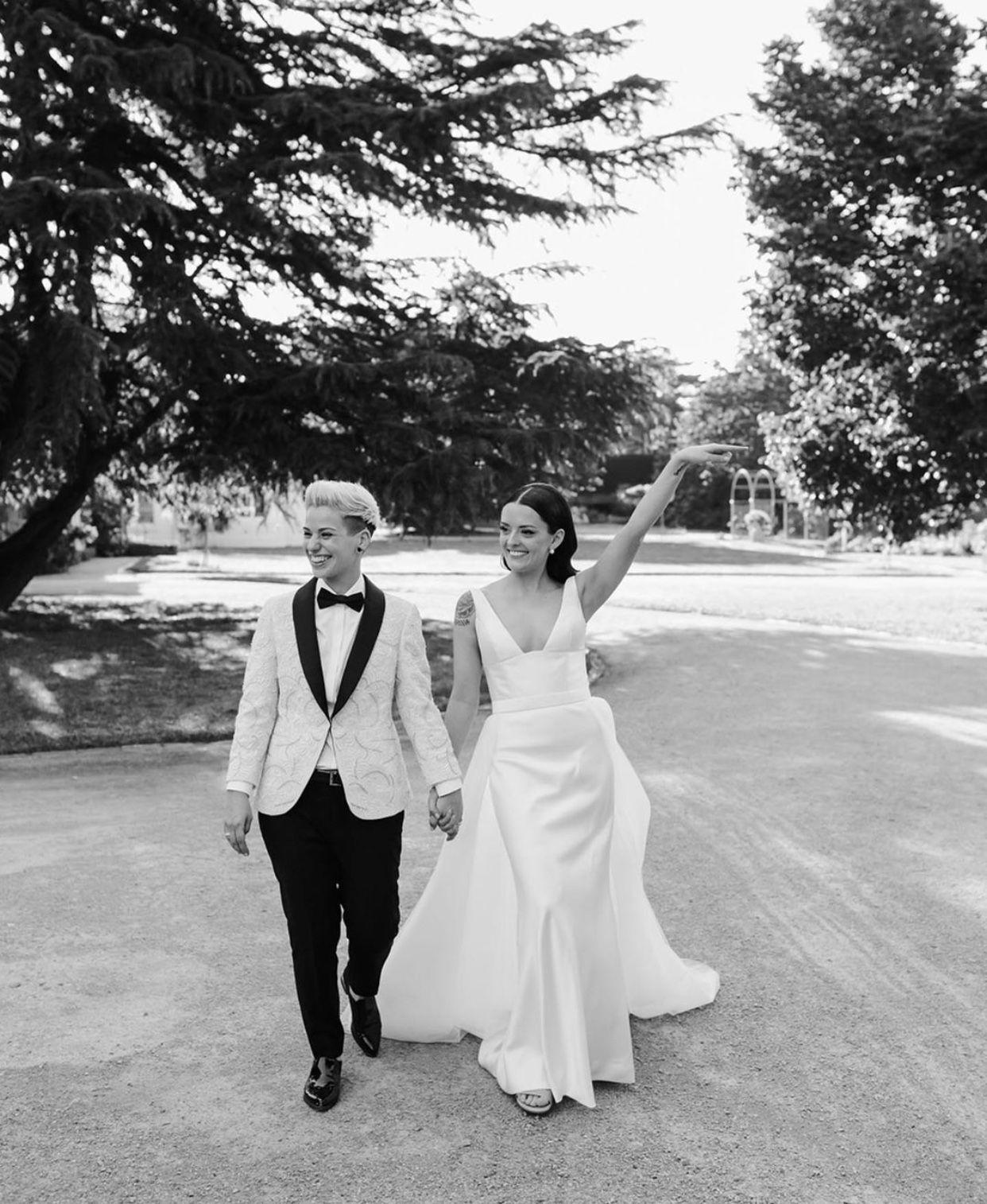 Stunning City Elopement In 2020 Australian Wedding Dresses Wedding Bride Inspiration