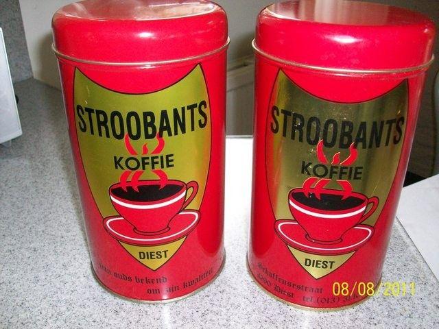 Twee koffieblikken van Stroobands