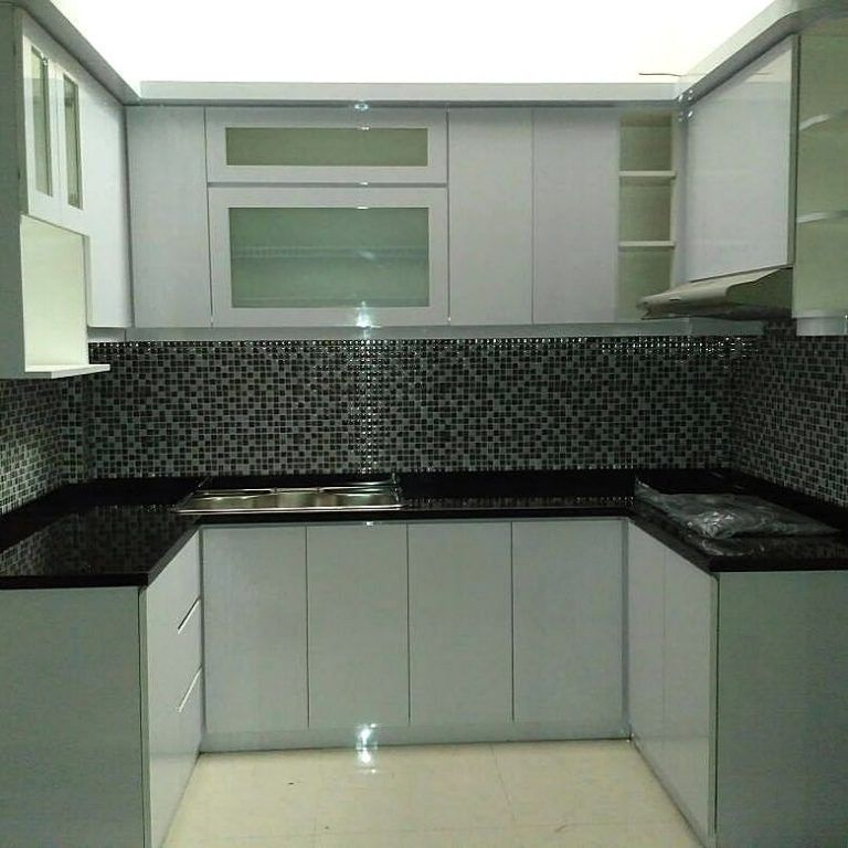 Kitchen Set Aluminium Terbaru Kitchencabinetsaluminium Aluminum Kitchen Cabinets Kitchen Decor Apartment Kitchen Modular