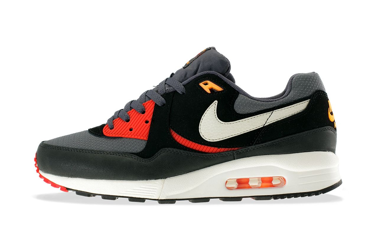 best sneakers 4910a 7ef5a Nike Air Max Light Essential
