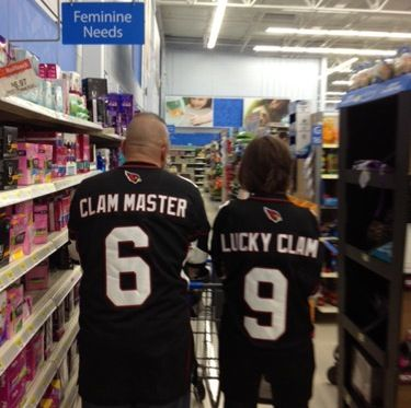 Couple Happy As A Clam - Funny Pictures at Walmart