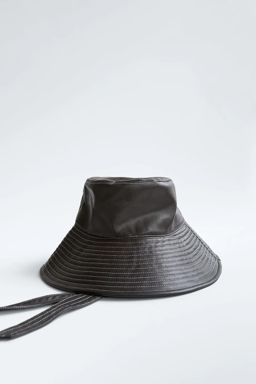 Shapka Idiotka Ot Izkustvena Kozha Zara Blgariya Bulgaria Leather Bucket Hat Hats Zara