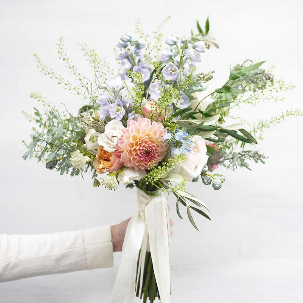 how much do wedding flowers cost? our complete guide