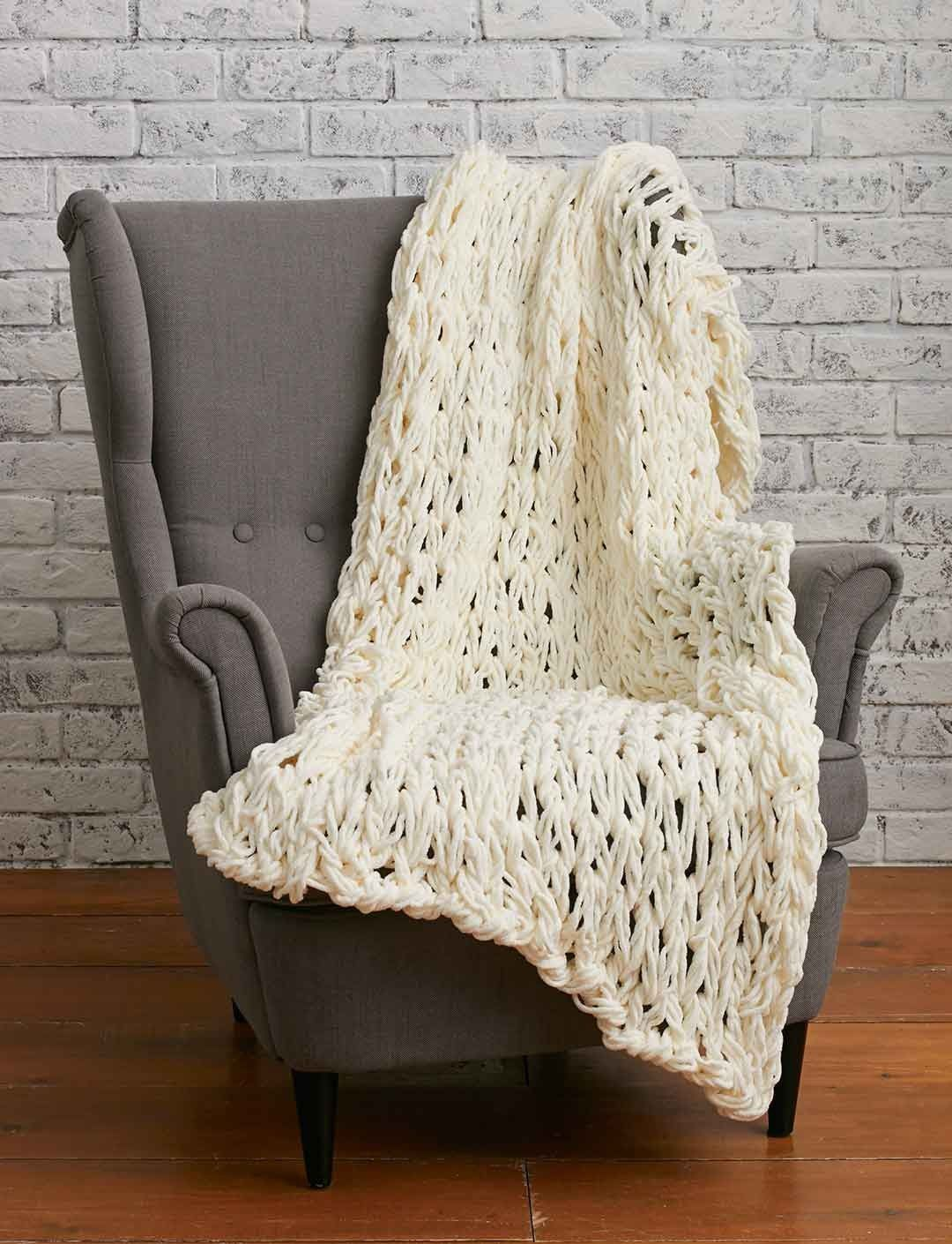 Bernat Arm Knit Super Quick Blanket | Yarnspirations #armknit ...