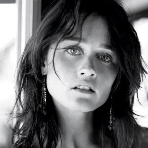 Robin Tunney - photographed by Melodie McDaniel