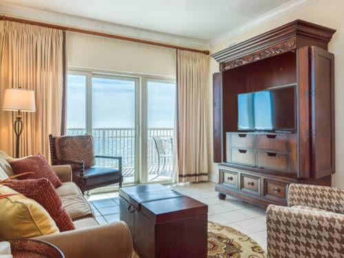 Crystal Tower 1101 Gulf Shores (Alabama) Located in Gulf Shores, this apartment is 14 km from Orange Beach. Guests benefit from balcony and an outdoor pool.  The kitchen is fitted with a dishwasher and an oven and there is a private bathroom.