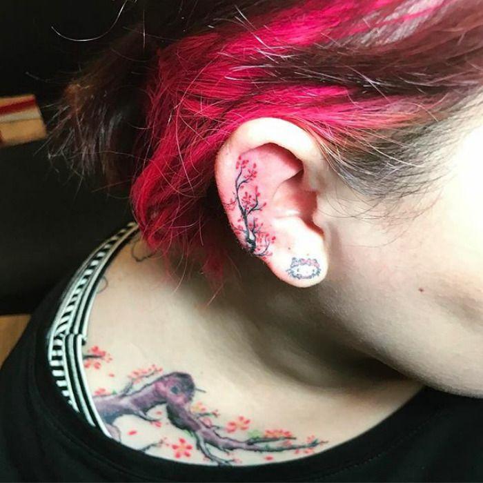 Helix Tattoo La Mode Du Tatouage De Lobe De L Oreille Tatouages