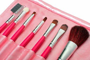 Make-up brushes explained -- at last!