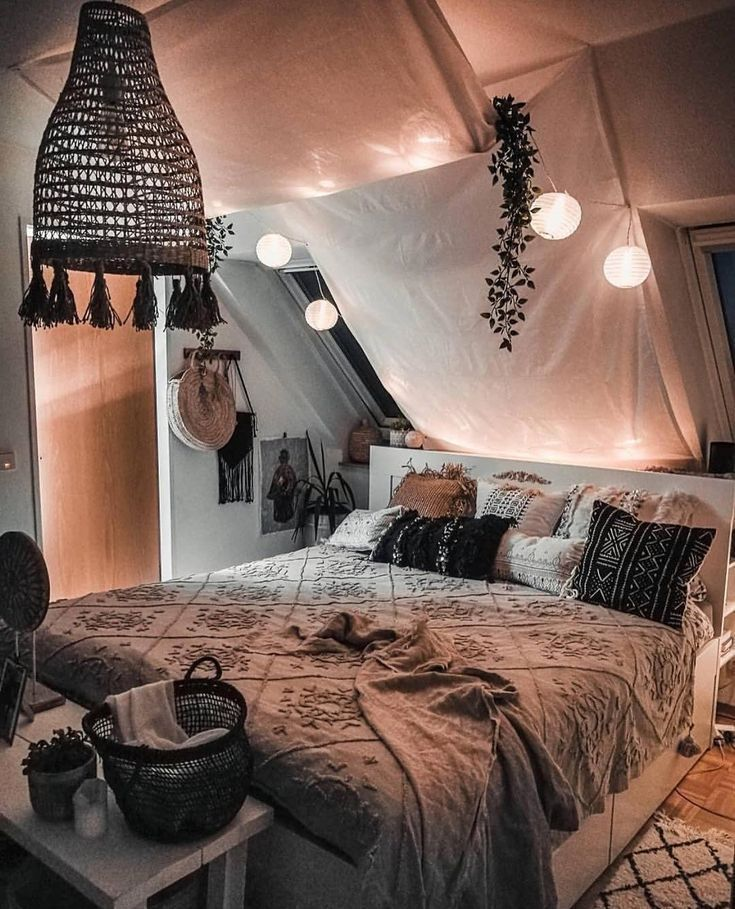 hippie boho bedroom 630644754057906364 -  Unbelievable Plans for Boho Bedroom –  Unbelievable Plans for Boho Bedroom  – #bedroom #BOHO #bohoFrenchDecor #coastalFrenchDecor  Source by jodiwgranados