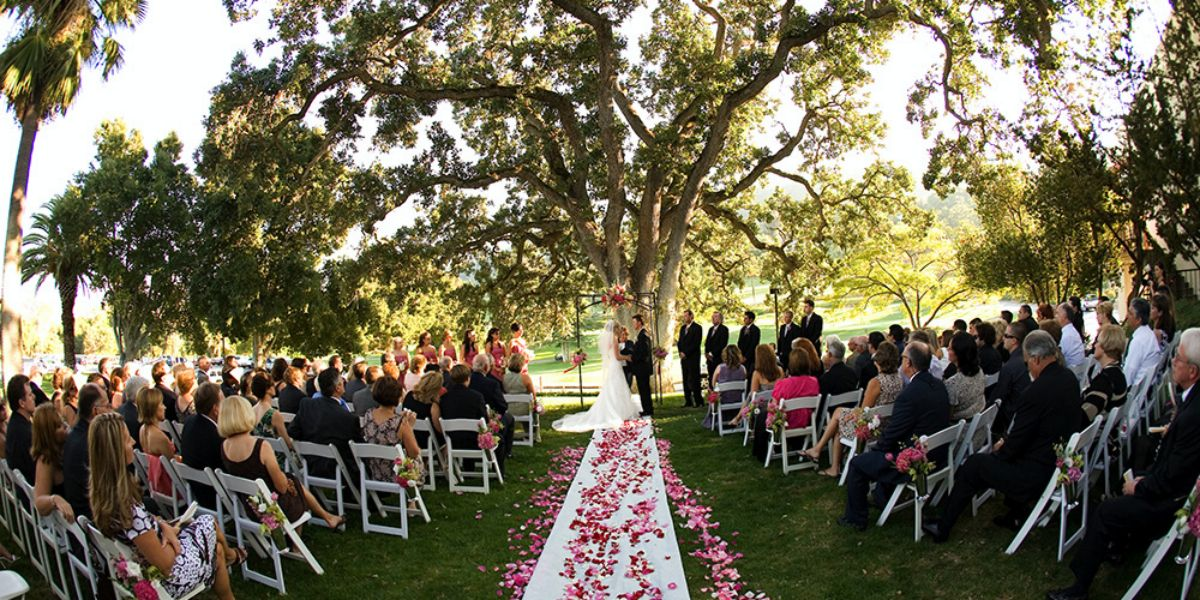 Advantages Of The Outdoor Wedding Reception: Castlewood Country Club @ Pleasanton CA Best Outdoor