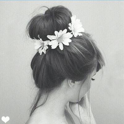 Bun with flowers<3