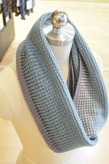 Gradient Cowl in 2020 | Cowl pattern, Fast knit, Knitting ...