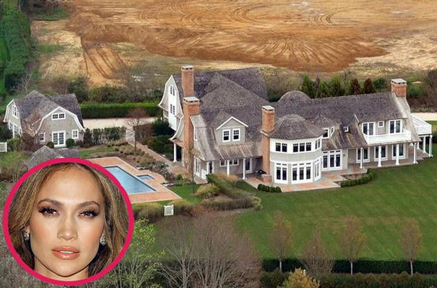 American idol judge jennifer lopez recently purchased a for Celebrity homes in the hamptons